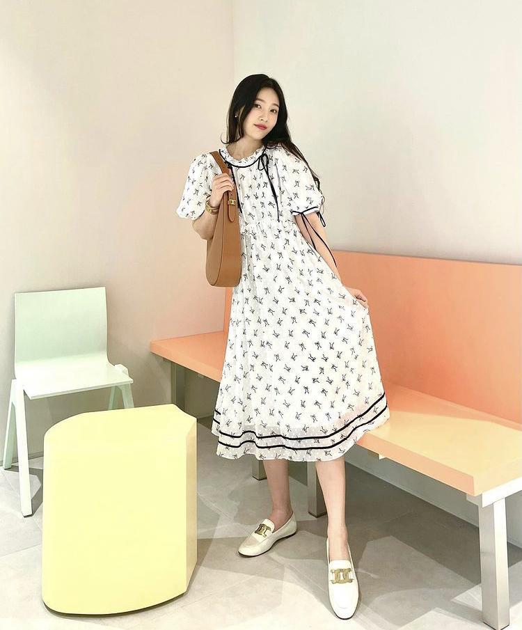 Dàn nữ idol Hàn Quốc khoe street style ngày thu đẹp ngất ngây-1