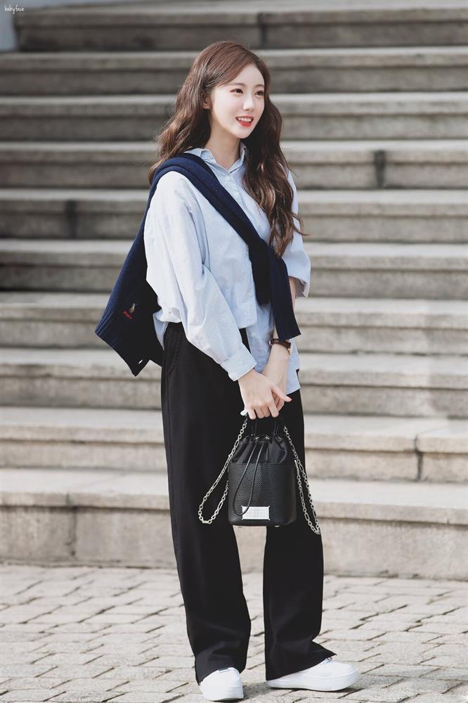 Dàn nữ idol Hàn Quốc khoe street style ngày thu đẹp ngất ngây-9