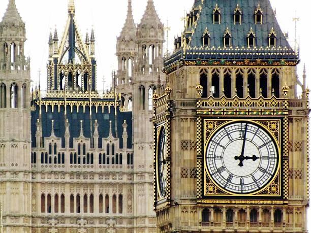 Chiêm ngưỡng 6 tháp đồng hồ nổi tiếng thế giới - 2