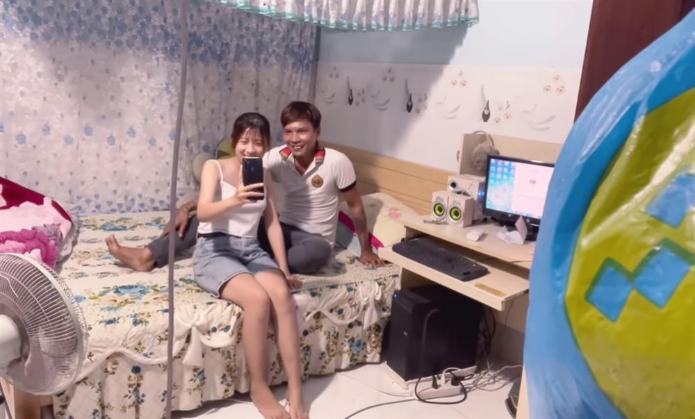 Bắt quả tang Lộc Fuho thân mật với em vợ trong phòng ngủ-2