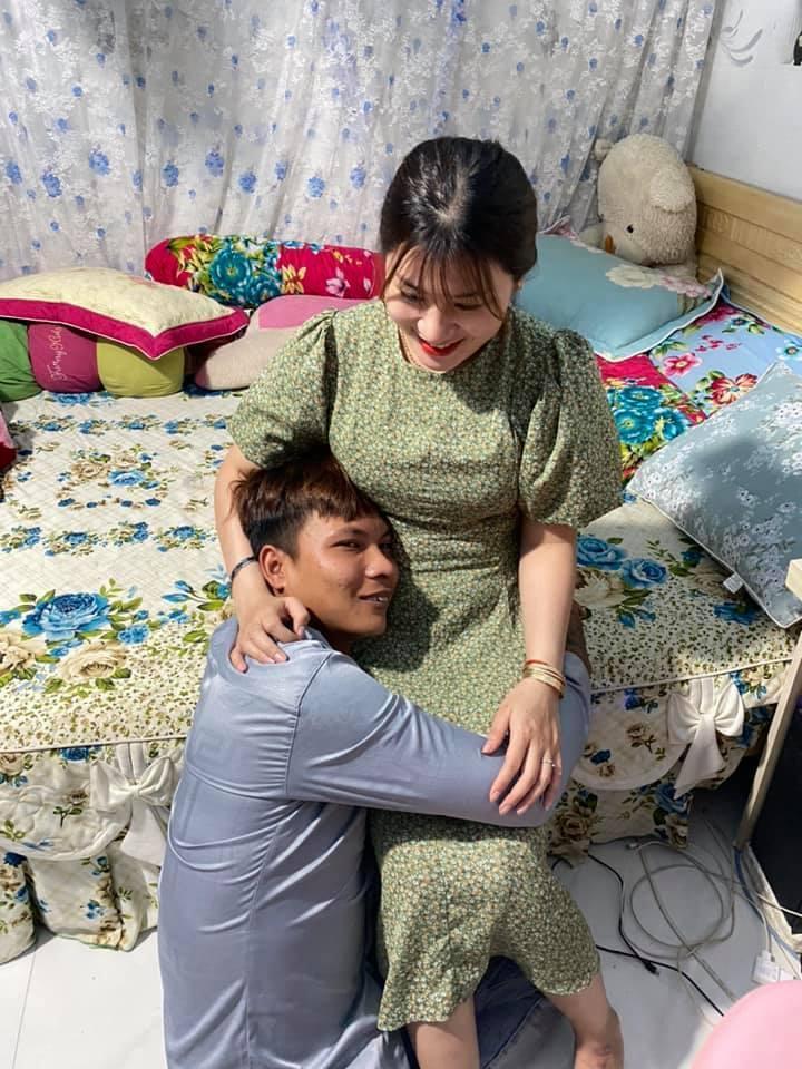 Bắt quả tang Lộc Fuho thân mật với em vợ trong phòng ngủ-1