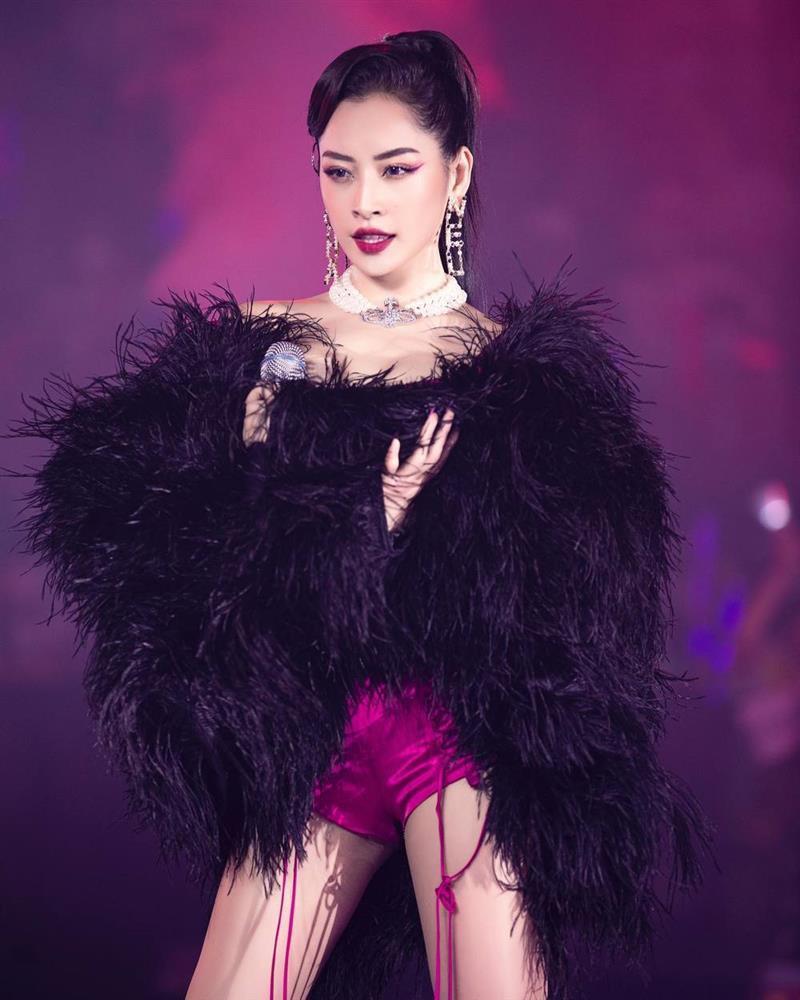Chi Pu can đảm hát live bằng tiếng Hàn bất chấp khán giả la ó-3
