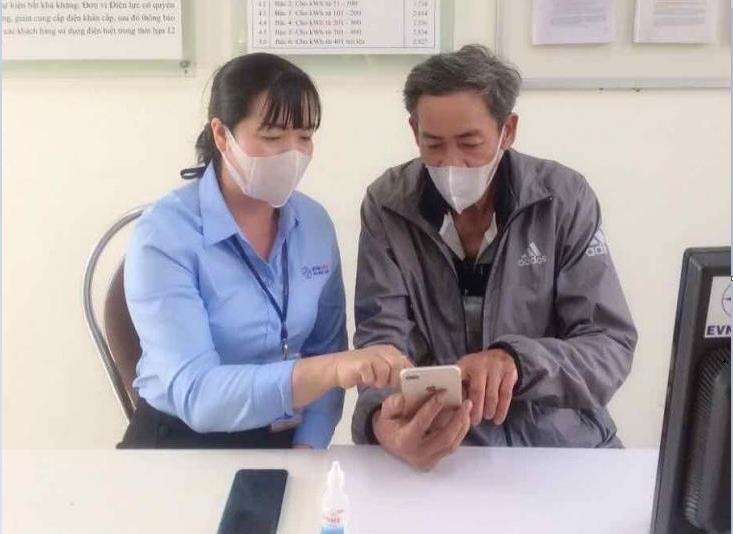 PC Đắk Lắknâng cao tỷ lệ khách hàng thanh toán trực tuyến - 1