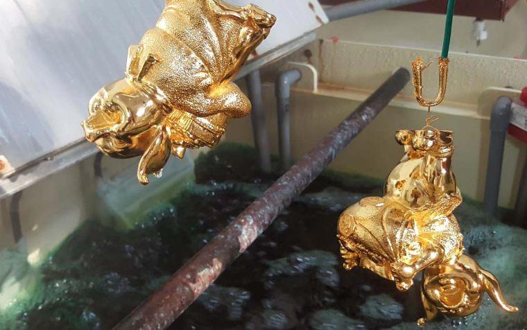 Các quà tặng của Golden Gift Việt Nam được mạ vàng thật bằng phương pháp điện phân