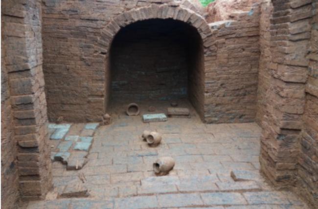 Phát hiện hơn 30 di tích văn hóa trong các ngôi mộ cổ ở Trung Quốc - 1