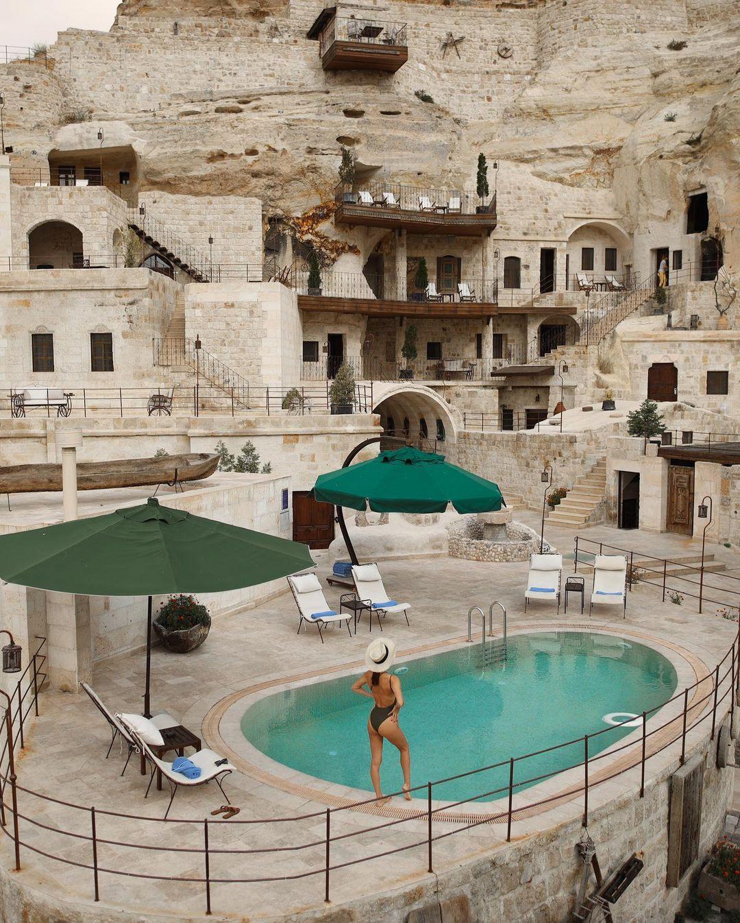 Khách sạn hang đá ở Thổ Nhĩ Kỳ 'sang chảnh' không kém resort nổi tiếng - 7