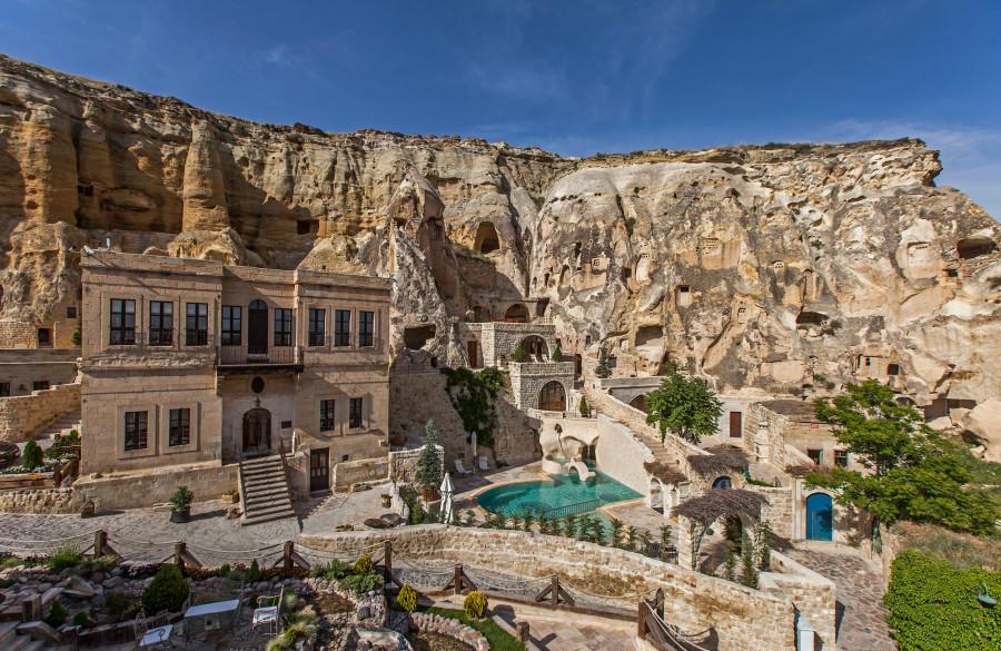 Khách sạn hang đá ở Thổ Nhĩ Kỳ 'sang chảnh' không kém resort nổi tiếng - 1