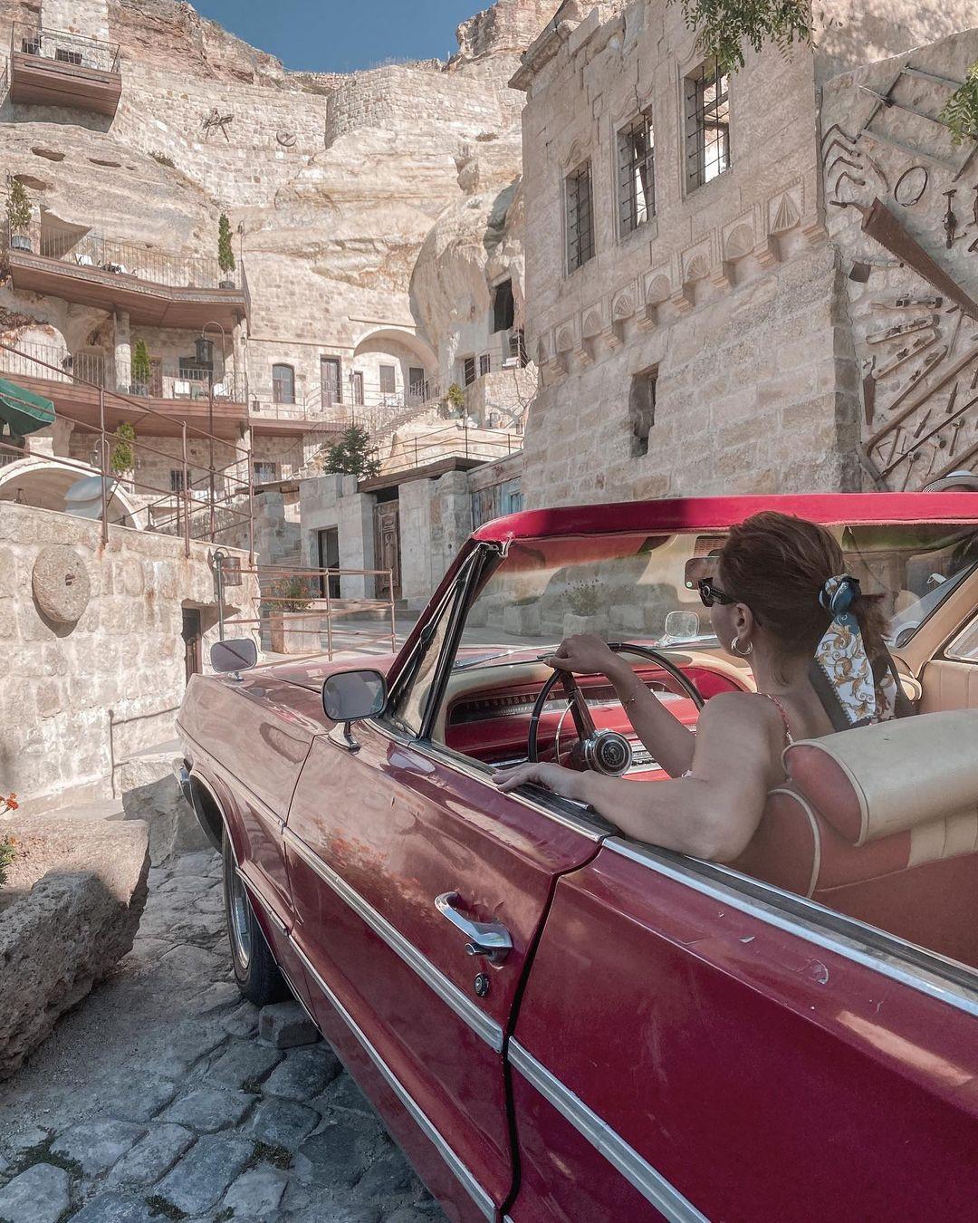 Khách sạn hang đá ở Thổ Nhĩ Kỳ 'sang chảnh' không kém resort nổi tiếng - 9