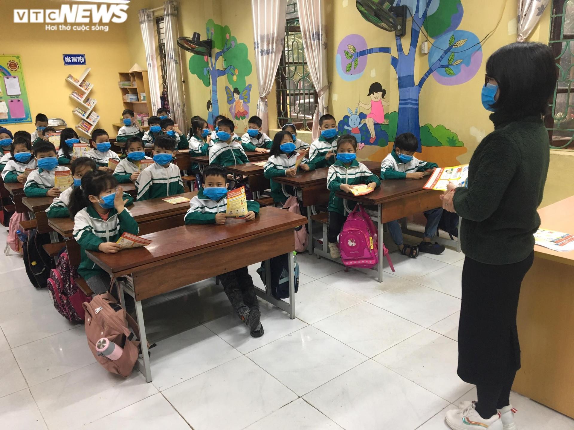 Học sinh một số khối lớp ở Bắc Ninh trở lại trường từ 15/9 - 1