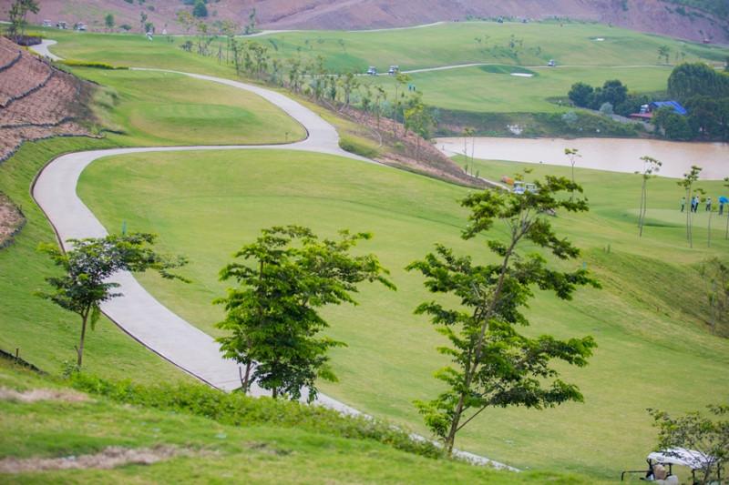 Một góc tại sân golf Yên Dũng (Ảnh chụp trước dịch)