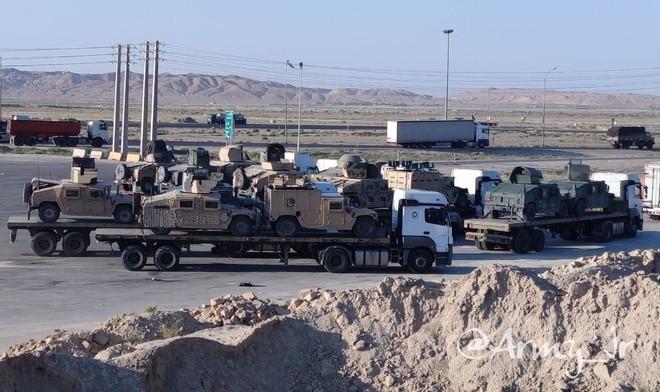 """Taliban bán vũ khí thu được của Hoa Kỳ cho Iran giá """"siêu rẻ"""""""