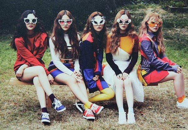 Red-Velvet-tai-ky-hop-dong