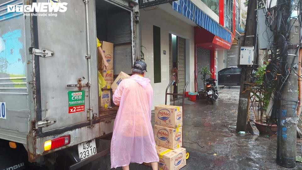 Ảnh: Bão số 5 gây mưa to, gió quật đổ cây, ngập úng ở các tỉnh miền Trung - 10