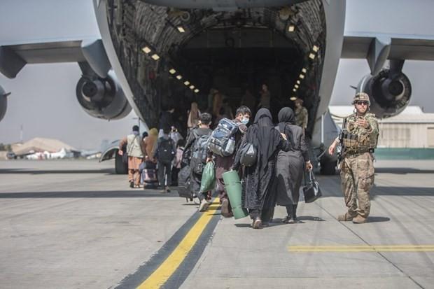 Một người Afghanistan được giải cứu từ Kabul bị bắt ở Anh, nghi là gián điệp của Taliban