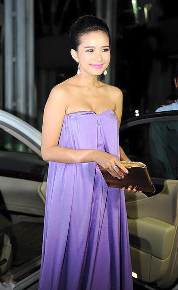 Phan Như Thảo đạt kỷ lục mắc vài lỗi trang phục với một chiếc đầm-3