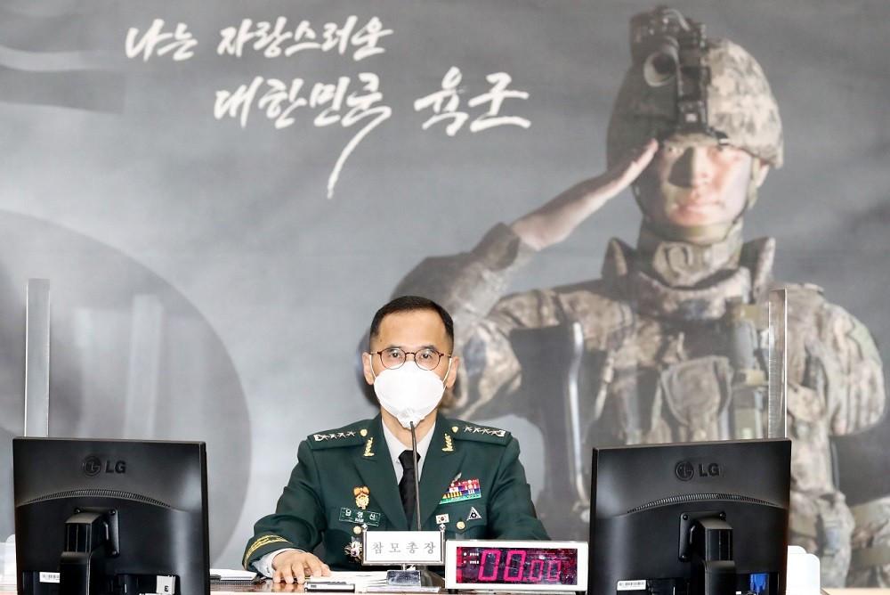 (09.12) Tham mưu trưởng Quân đội Hàn Quốc, Tướng Nam Yeong-shin trong buổi điều trần của Quốc hội Hàn Quốc tháng 10.2020. (Nguồn YNA)