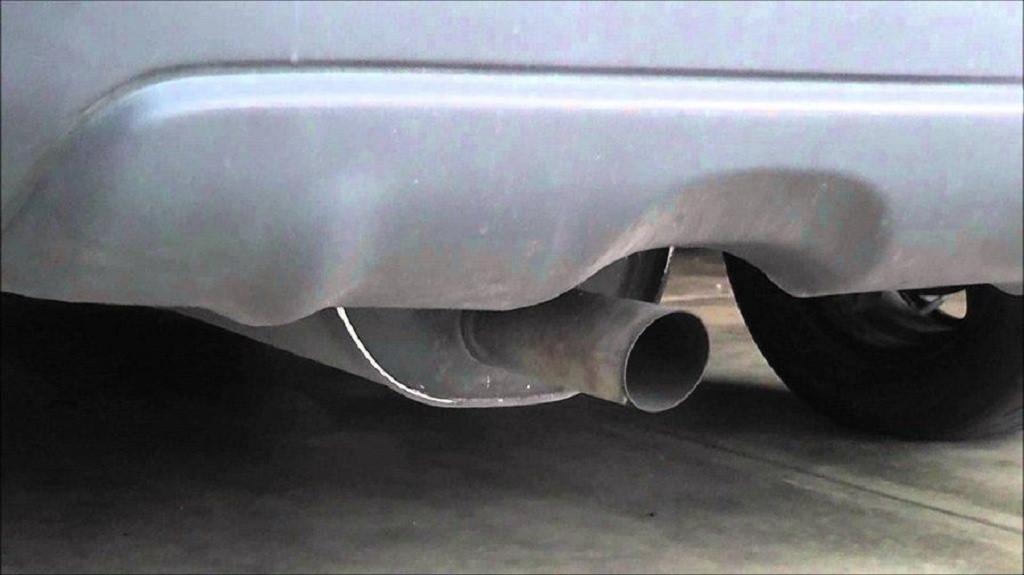 ống xả xe ô tô