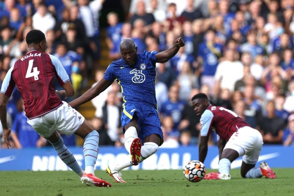 Lukaku rực sáng, Chelsea bay cao ở Ngoại hạng Anh - 1