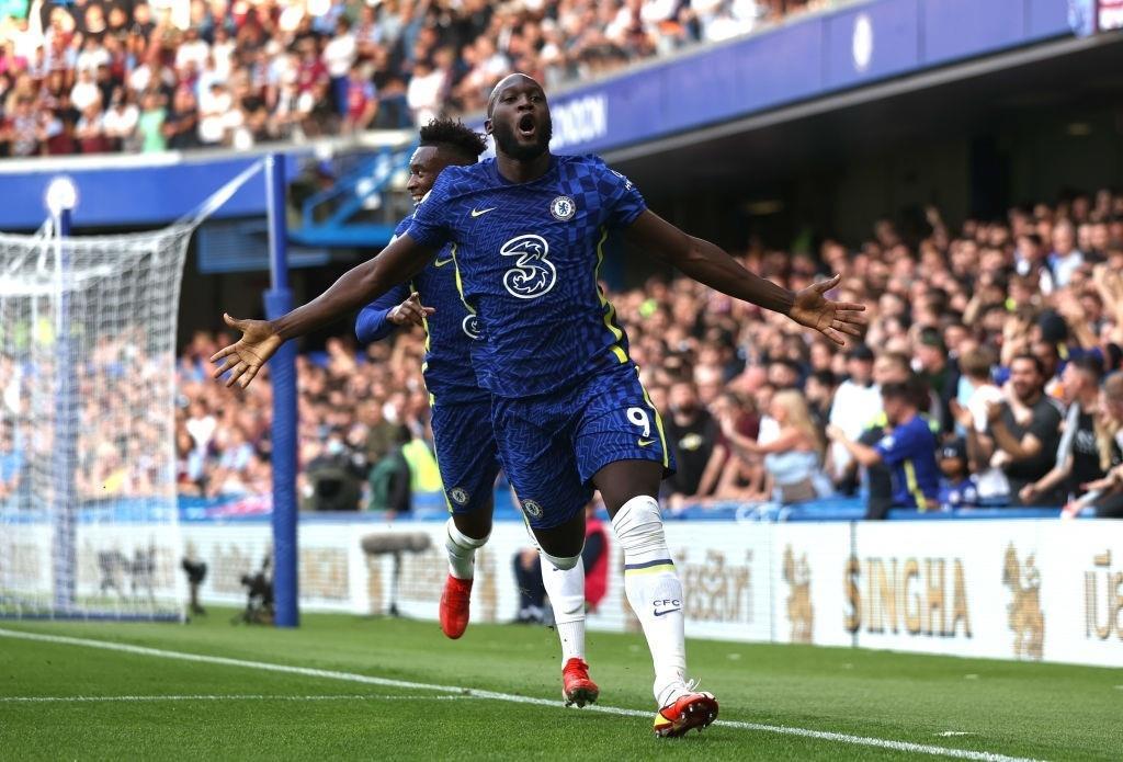 Lukaku rực sáng, Chelsea bay cao ở Ngoại hạng Anh - 2