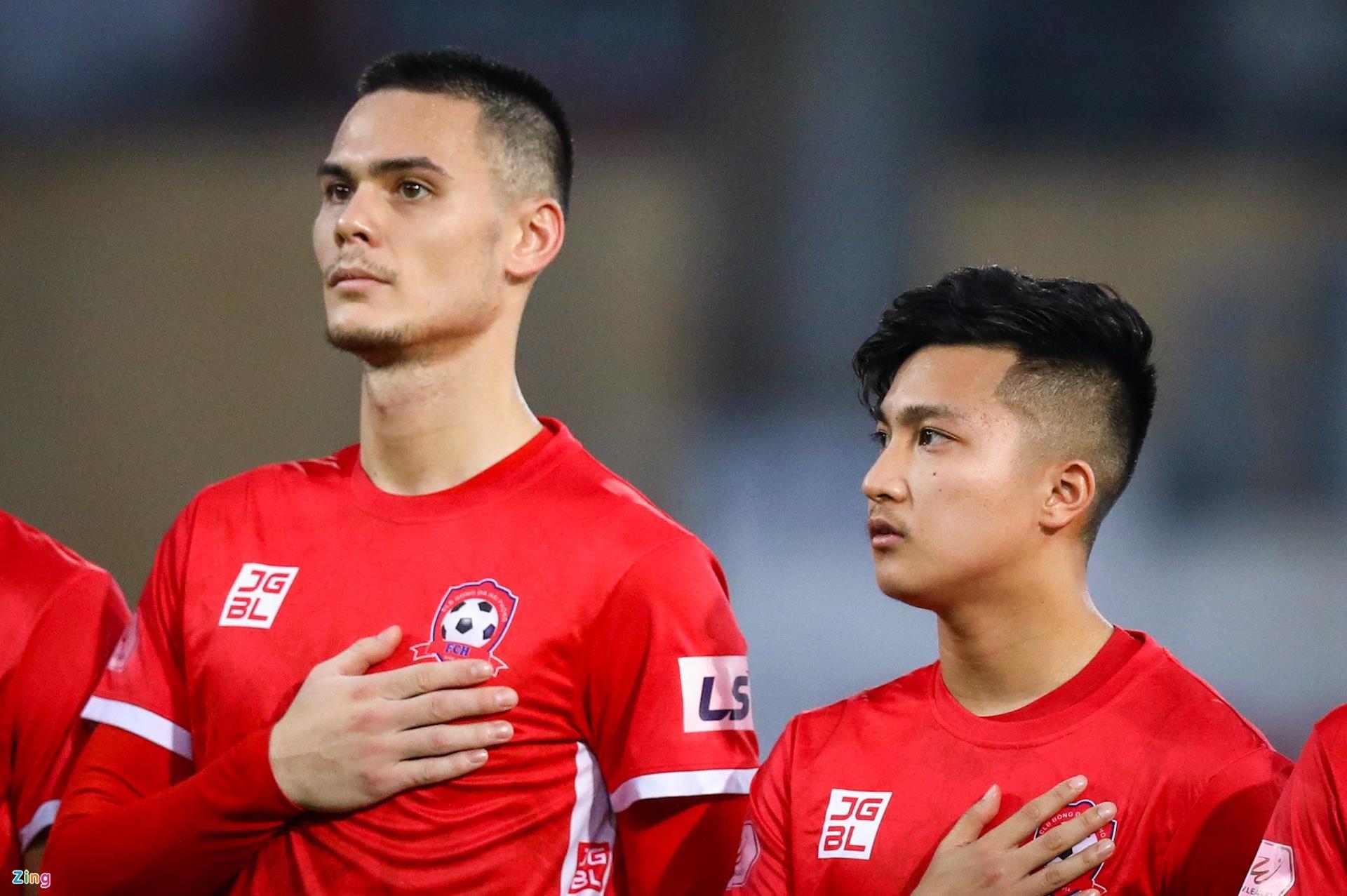 CLB Hải Phòng chia tay 3 cầu thủ Việt kiều - 1