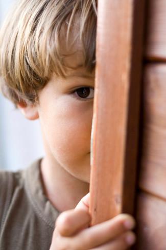 Trẻ nhút nhát, sống thiếu tự tin có thể do cha mẹ đã làm chưa tốt điều này-3
