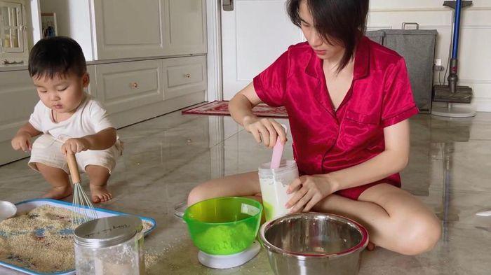 Vlog con trai Hòa Minzy bị xóa thẳng vì cảnh nhạy cảm?-2