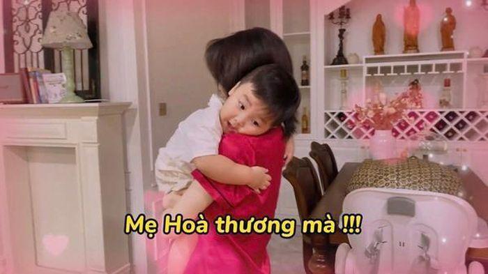 Vlog con trai Hòa Minzy bị xóa thẳng vì cảnh nhạy cảm?-3