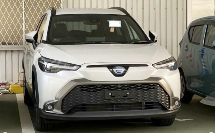 Toyota Corolla Cross bản mới lộ diện trước ngày ra mắt
