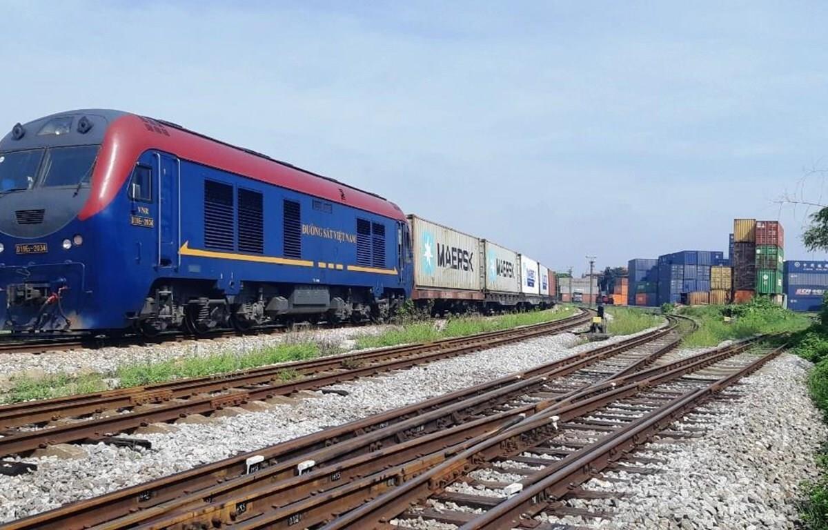 Tránh nguy cơ dừng hoạt động, đường sắt kiến nghị vay 800 tỷ đồng - 1