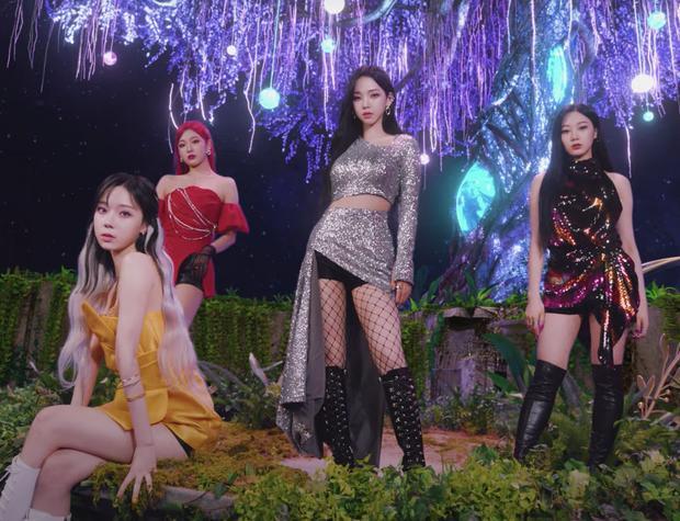 Vẫn đang trên cơ Lisa lẫn BTS mà aespa đã tung thính comeback-3