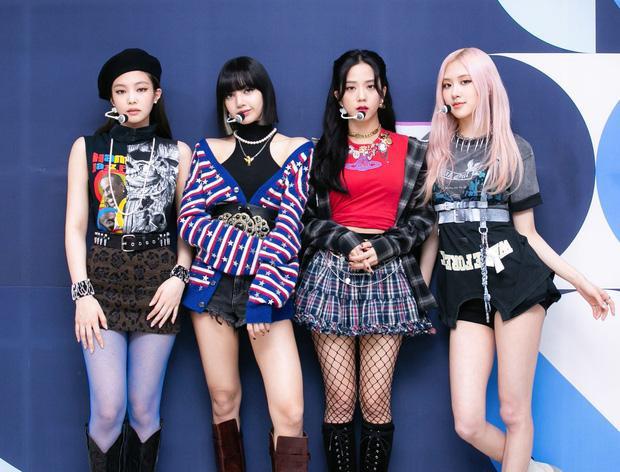Vẫn đang trên cơ Lisa lẫn BTS mà aespa đã tung thính comeback-5
