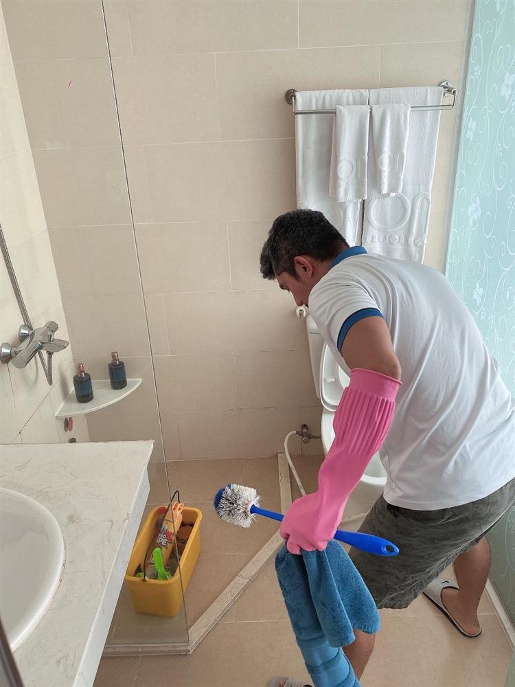 Ngân 98 nói rõ tin Lương Bằng Quang kẹt tiền phải cọ toilet-5