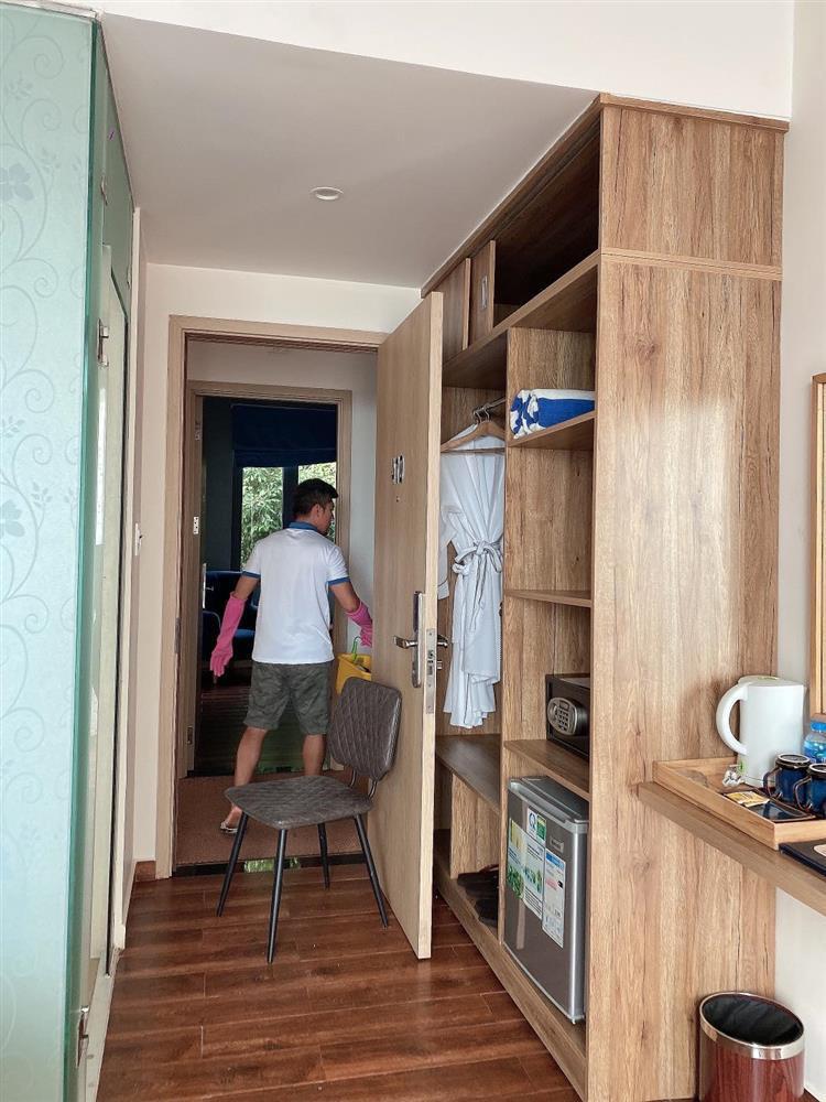 Ngân 98 nói rõ tin Lương Bằng Quang kẹt tiền phải cọ toilet-4