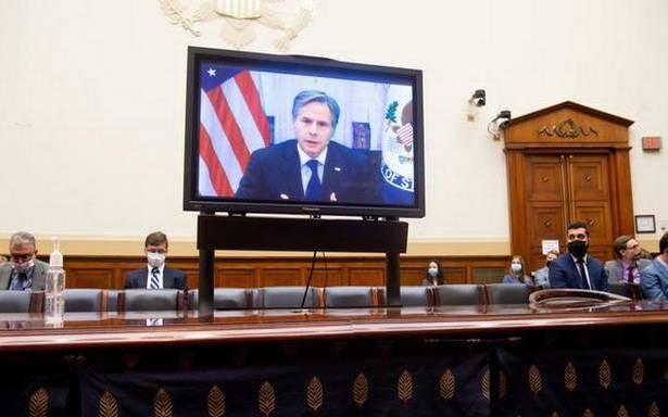 Afghanistan sụp đổ nhanh chóng, Ngoại trưởng Mỹ nói gì trước Quốc hội?