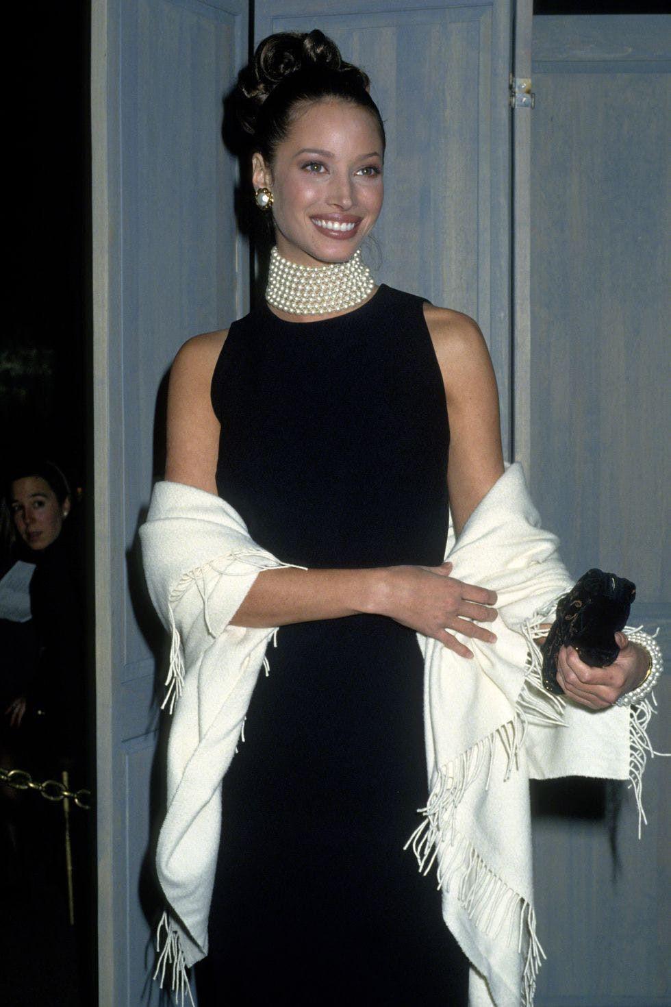 Trang phục Met Gala ấn tượng qua các năm - 4