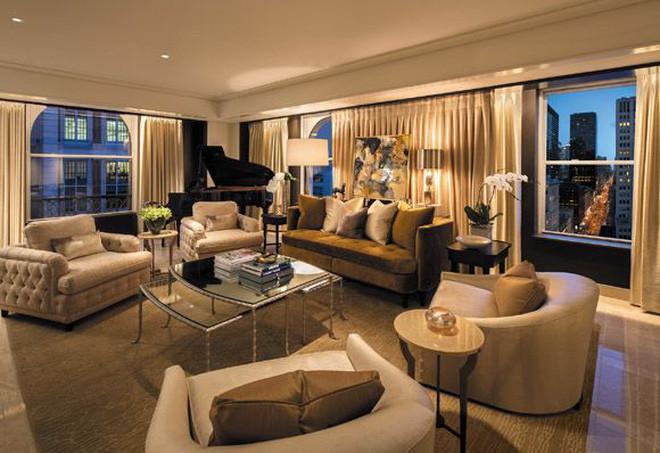 """""""Conan Internet"""" đã soi ra luôn phòng khách sạn Rosé ở khi dự Met Gala: Giá 103 triệu/đêm, style cổ điển cực sang chảnh - 7"""