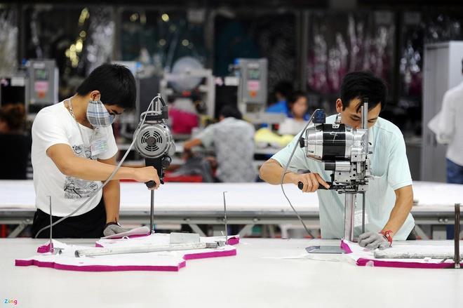 'Ông lớn' Nike, Adidas gặp khó vì các nhà máy tại Việt Nam đóng cửa - 1