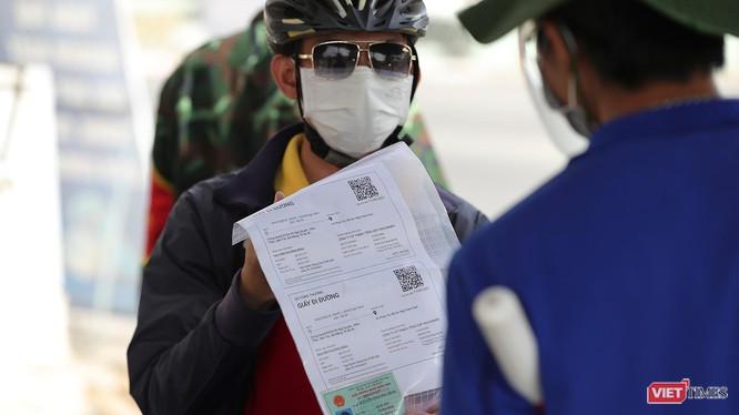 Đà Nẵng nới lỏng nhiều hoạt động, dịch vụ tại các khu dân cư nhưng yêu cầu người dân ra đường phải có giấy QRCode