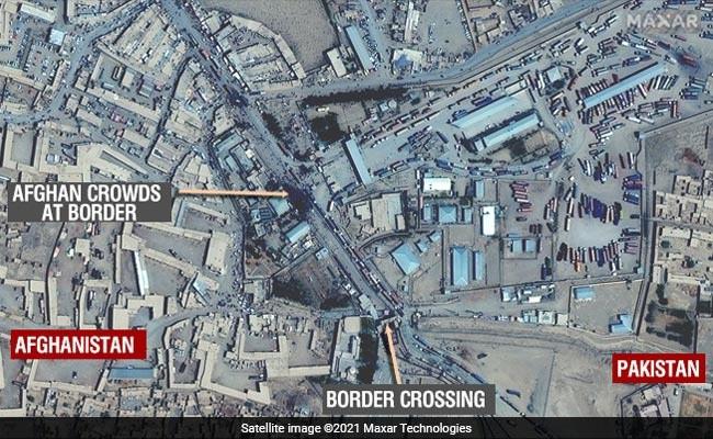 Chạy trốn Taliban, hàng nghìn người Afghanistan kéo đến biên giới Pakistan