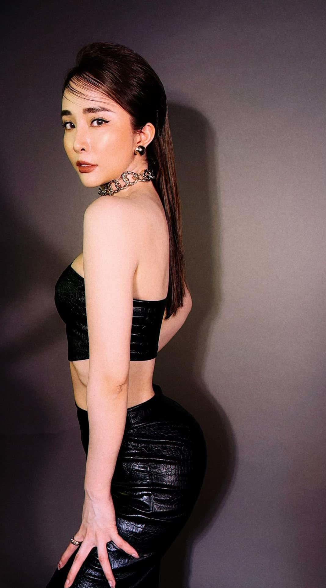 Quỳnh Nga đẹp mặn mà, quyến rũ ở tuổi 33