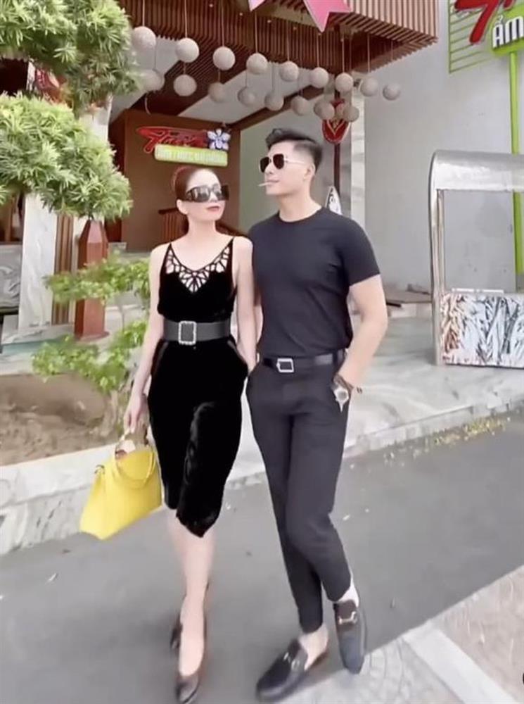 Nằm cạnh Lệ Quyên, cặp giò Lâm Bảo Châu chiếm spotlight-7