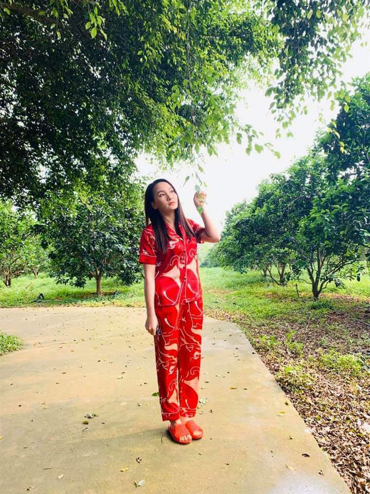 Quỳnh Nga - Hồng Diễm cho Phương Oanh hít khói khi mặc đồ ngủ lụa-18