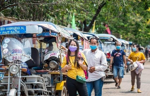 Dịch Covid-19 ở Lào: Biến thể Delta lây lan phức tạp, thách thức cả người đã tiêm hai mũi vaccine