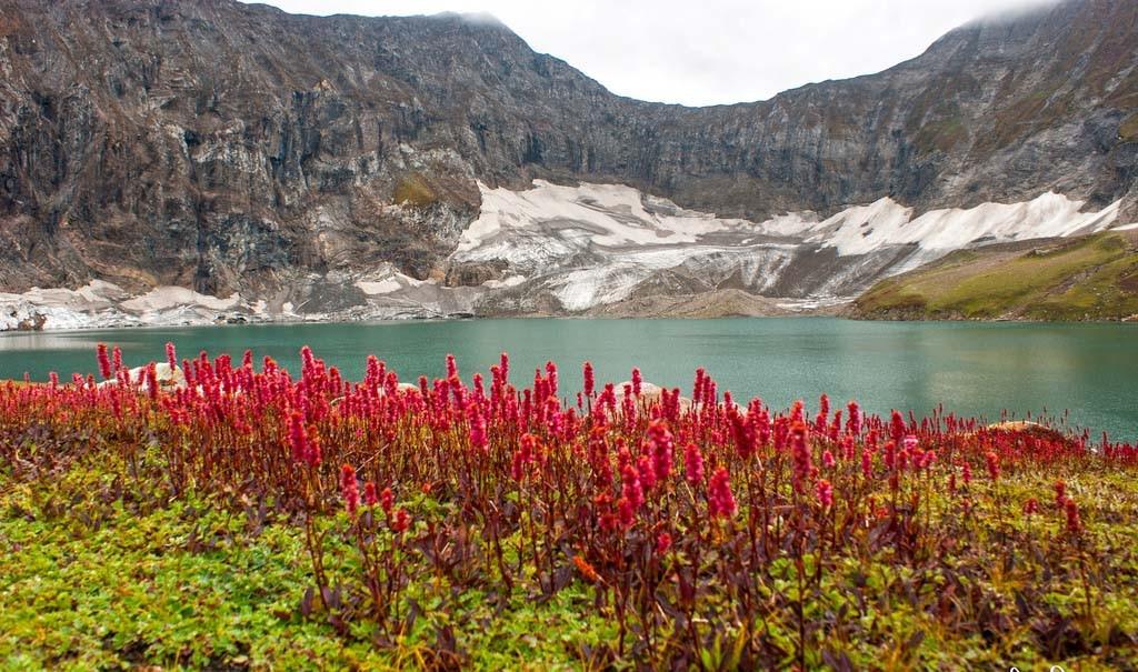 Những hồ nước đẹp như tranh tạo nên khung cảnh thần tiên trên Trái đất - 14