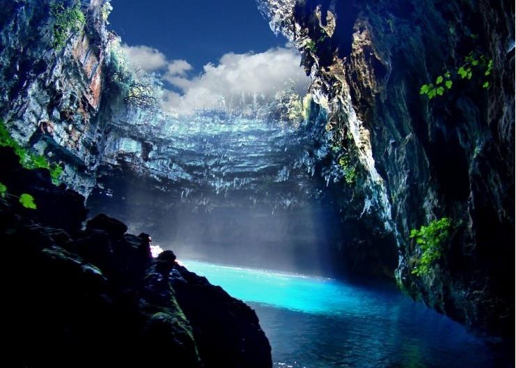 Những hồ nước đẹp như tranh tạo nên khung cảnh thần tiên trên Trái đất - 19