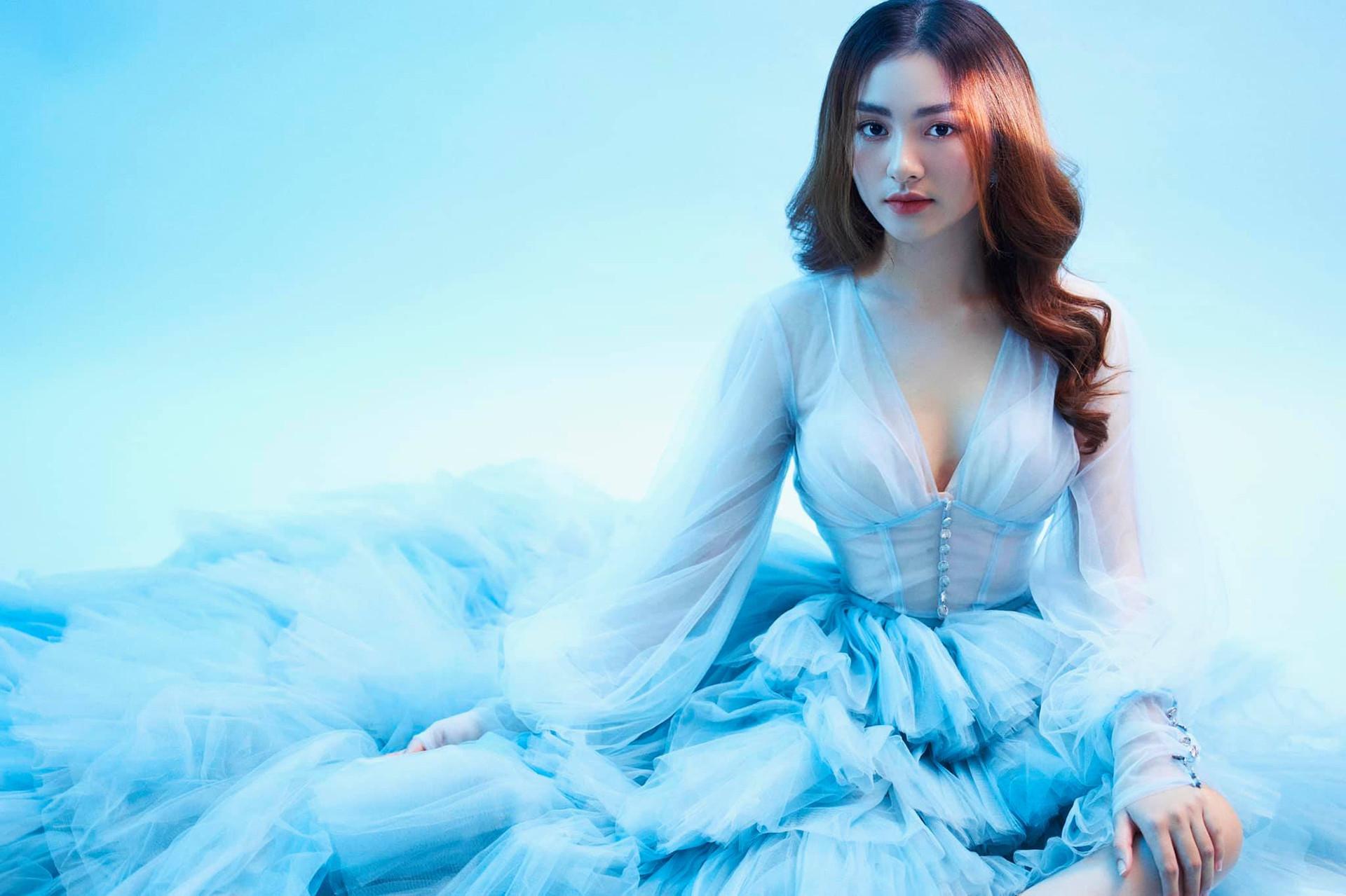 """Nữ sinh Tiền Giang """"gây bão tranh cãi"""" vì quá xinh đẹp, được dự đoán làm hoa hậu - 8"""