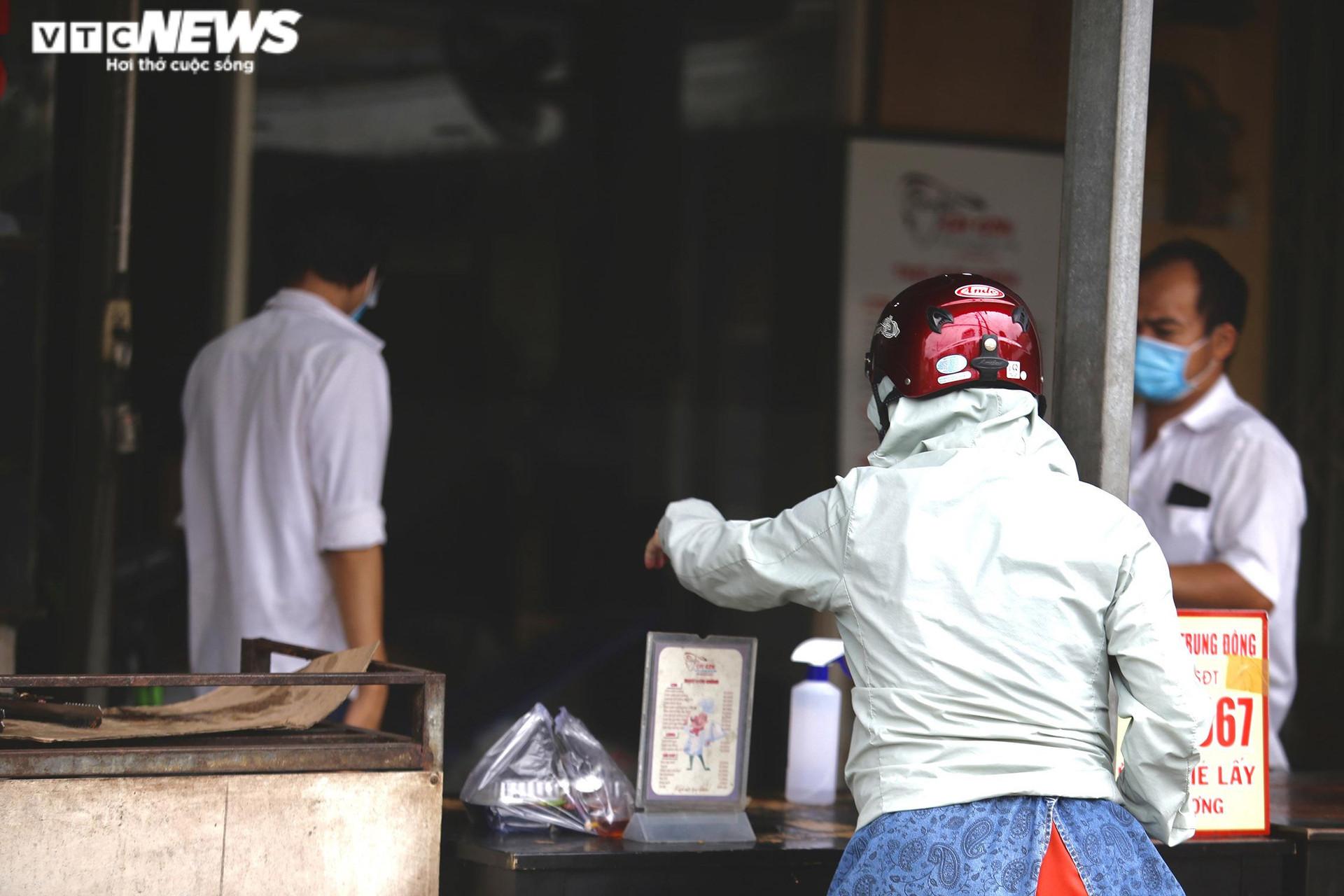 Bình Dương: Hàng quán tái khởi động sau nhiều ngày 'khoá chặt' - 4