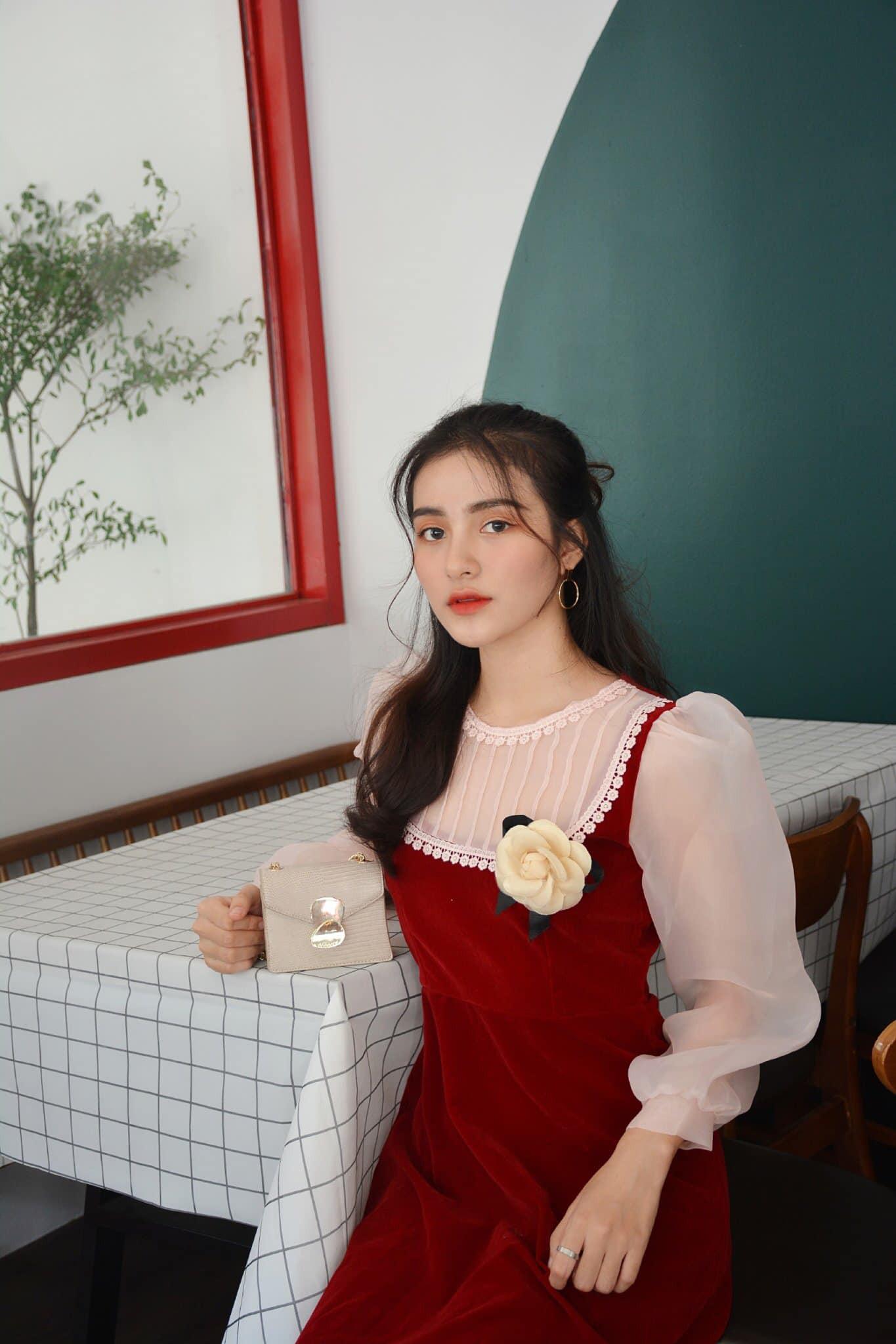 """Nữ sinh Tiền Giang """"gây bão tranh cãi"""" vì quá xinh đẹp, được dự đoán làm hoa hậu - 11"""