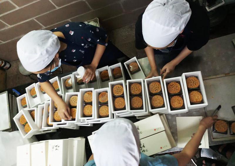 Đột biến tuần cuối, bếp bánh trung thu đồng loạt dừng bán