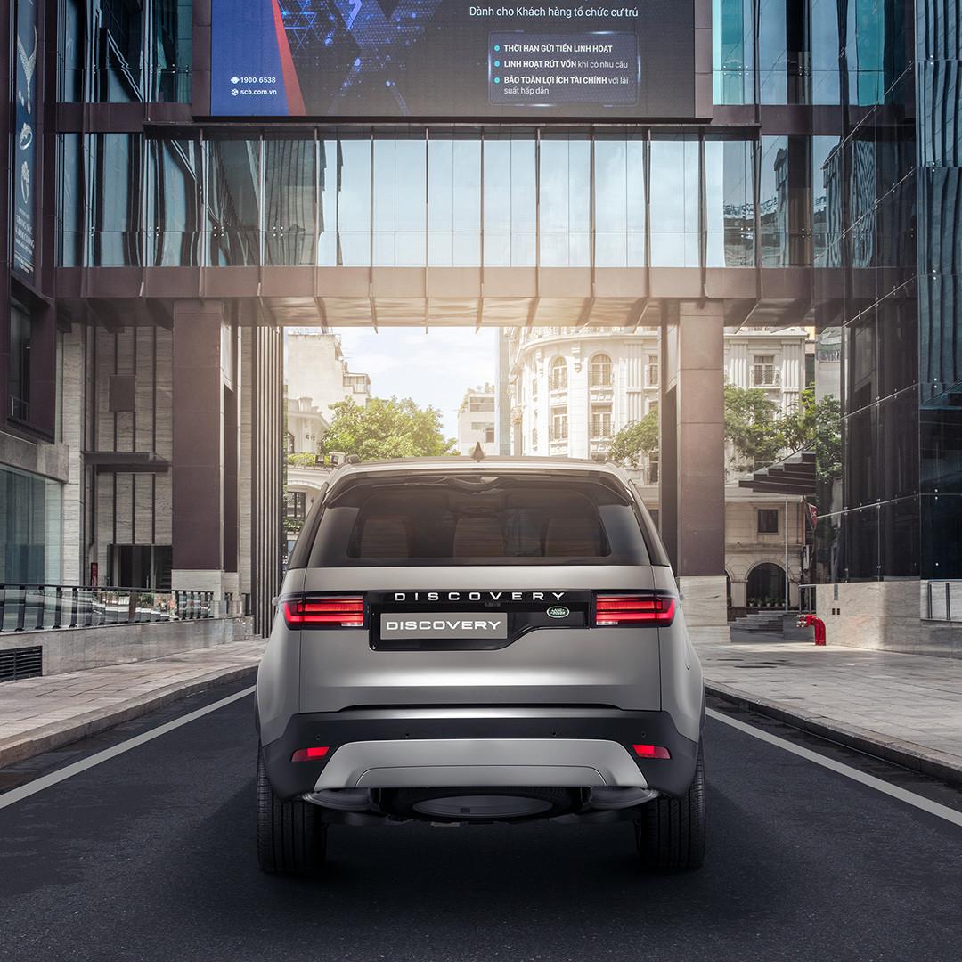 Đuôi xe Land Rover Discovery mới